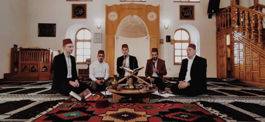 Mevlud za Lejle-i berat iz Čaršijske džamije Prijedor prenošen uživo