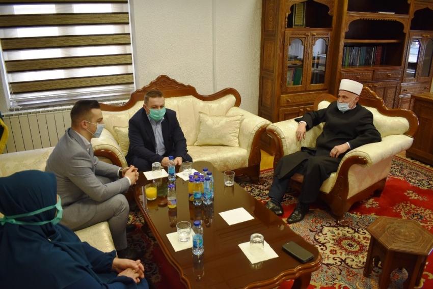 Muftija bihaćki upriličio prijem za hafiza Ahmeda Hašića i njegove roditelje