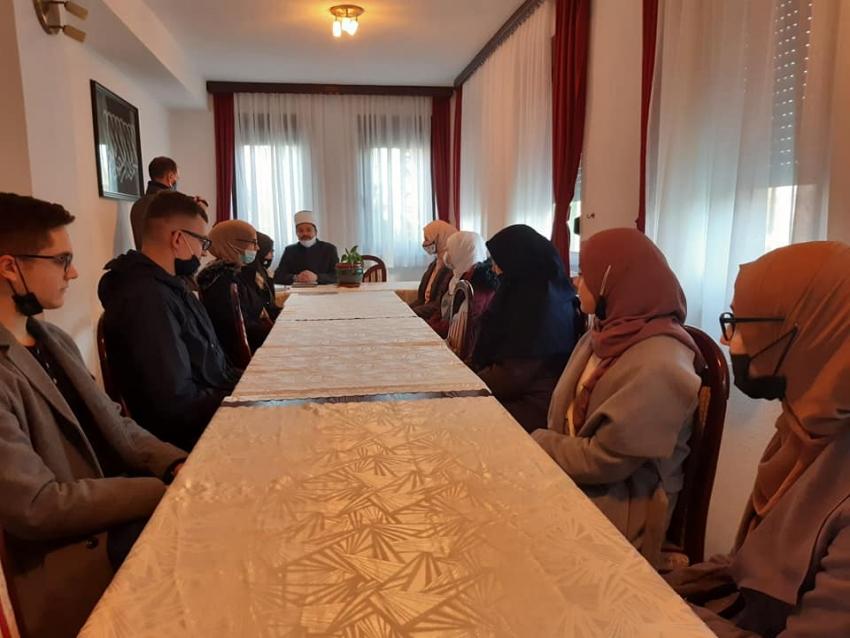 Medžlis IZ Sanski Most: Dodjela stipendija učenicima i studentima